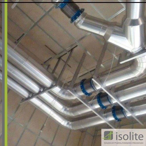 Isolamento de tubulação industrial